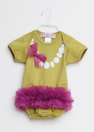 Adorable. Wonder if I can turn this into a DIY? Rit dye, puff paint & tulle...challenge accepted.
