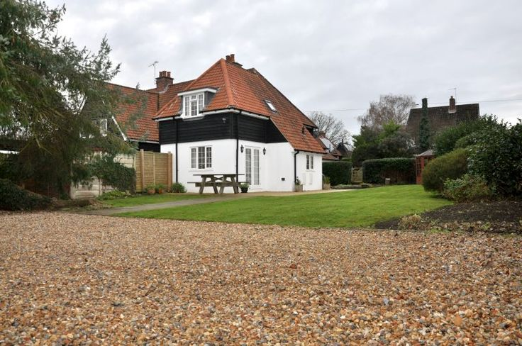 Foxglove Cottage - Foxglove Cottage, 4 Bedroom House in The New Forest, Sleeps 8 https://www.independentcottages.co.uk/new_forest/foxglove-cottage-ref3068