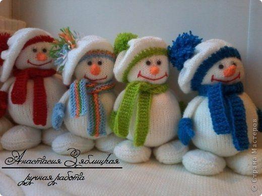Wonderful DIY Jolly Knitted Snowmen With Free Patterns | WonderfulDIY.com