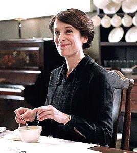 Downton Abbey's Raquel Cassidy as Baxter ...