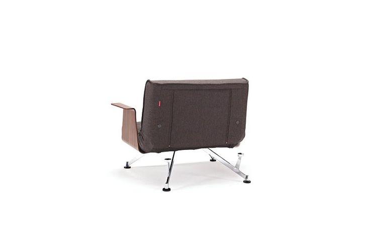 Clubber fåtölj med armstöd. Clubber chair with arms.