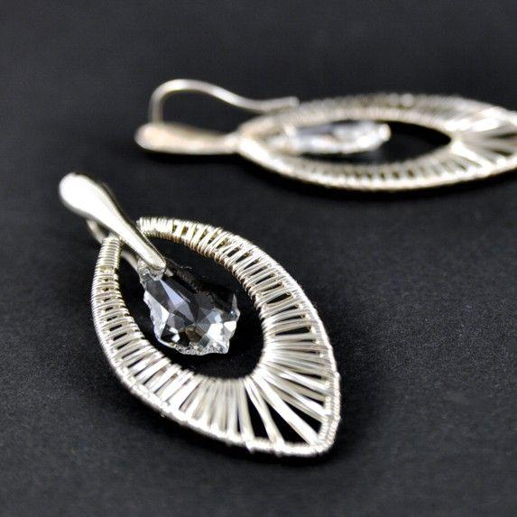 CZARUJĄCE BLASKIEM | Monika Kraczek  Wedding silver earrings with Swarovski crystals. 100% handmade. Wire-wrapped.  Buy: www.monikakraczek.com