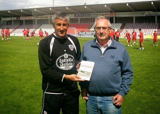 El ex meta del rojiblanco (76-78) presentó en Lugo el 20 de mayo de 2014 el libro 'La Catedral de los sueños', compuso el himno del club, elegido en noviembre, y se estrenó el 4 de enero de 2015 realizando el saque de honor