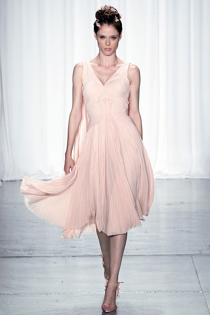 Zac Posen Spring 2014 RTW - Review - Fashion Week - Runway, Fashion Shows and Collections - Vogue