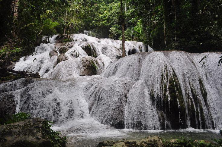 Air Terjun Saluopa Pesona 12 Tingkat Air Terjun di Sulawesi Tengah - Sulawesi Tengah