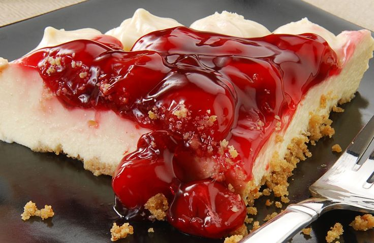 Ingredients Low Fat Graham Crackers 8 oz. fat free cream cheese (softened) 1 cup cold skim milk 2 Tblsp. lemon juice 1 small box instant vanilla pudding (sugar free) 8 oz. fat free Cool Whip 1 can lite cherry pie