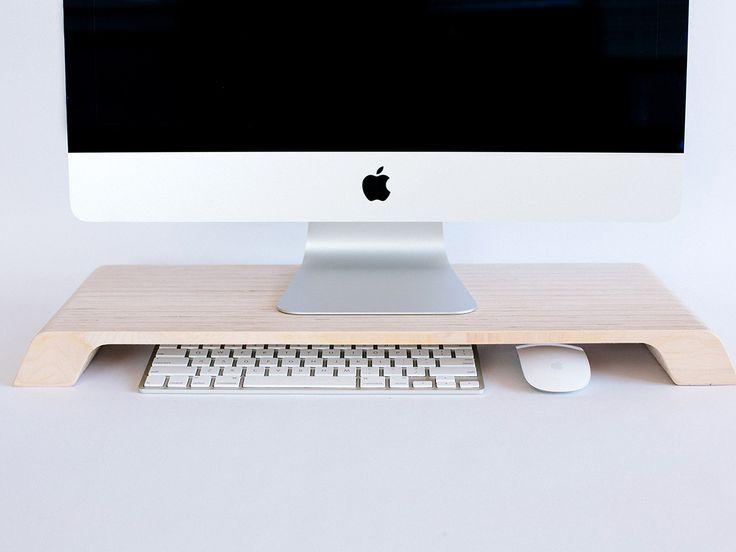 人間工学に基づいた木製のiMac