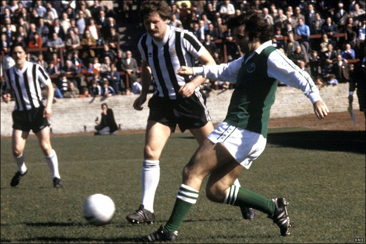 George Best playing for Hibernian FC.