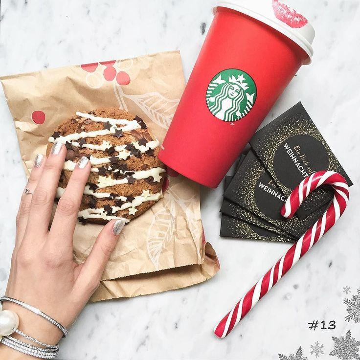 Happy 3rd in Advent!!!  Adventskalender Türchen 13: Heute könnt ihr einen 100  Gutschein von @starbucksde gewinnen!!! Genauer gesagt besteht der Gewinn aus 4 Starbucks Cards à 2500  - ihr könnt also auch mit euren Freundinnen teilen!!  Für die doppelte Gewinnchance (2 Tickets): 1. Repostet dieses Bild mit #howimetmyoutfitXmas und @howimetmyoutfit  UND (ganz wichtig)  2. Hinterlasst auf meinem Blog unter dem Tagesgewinn Post einen Kommentar mit eurem Instagram Namen. (direkter Link in Bio)…