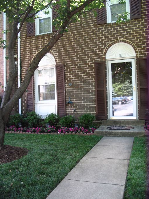 Landscaping Small Front Yard Townhouse : Best ideas about townhouse landscaping on