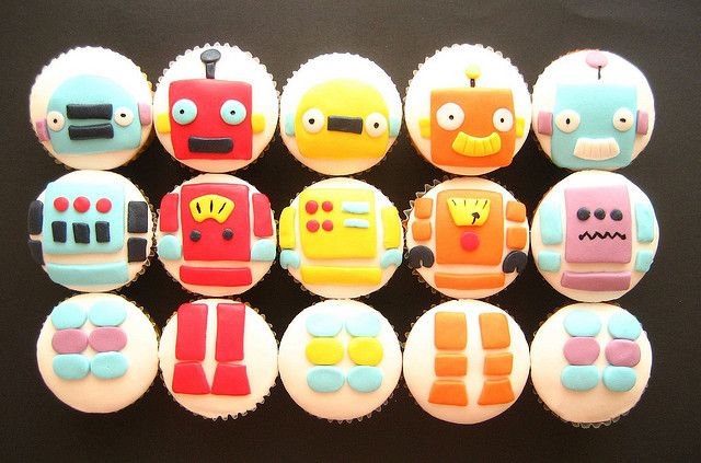 ROBOT cupcakes! And other Robot ideas (mostly just pics- super cute girl robot stuffed toy, try to make!)