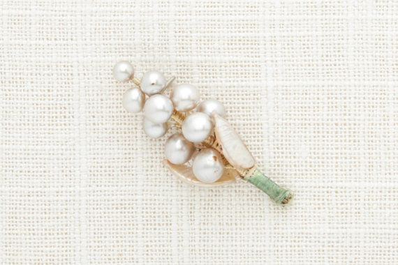 Vintage Pearl Boutonniere Pin  One Cluster VTG Pearls Brooch