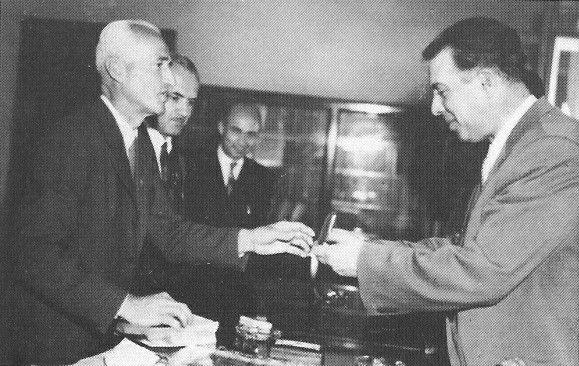 Enver Hoxha me delegacionin e shqiptareve te Argjntines, maj 1958.