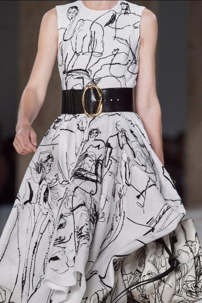Pin By Mona Salama On Flotus Melania Trump Ootd Articles In 2020 Mcqueen Fashion Fashion Week Spring Fashion