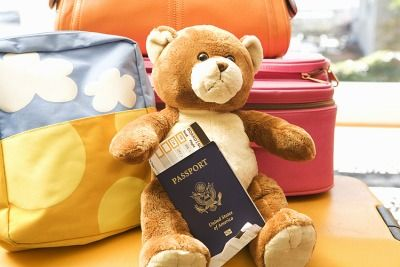 (Single) Parent Travel Tips - good ideas for all parents traveling with kids, not all apply to adoption trip but many will