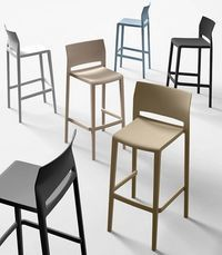 25 best ideas about mobilier restaurant on pinterest for Chaise industrielle haute