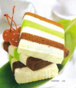 Cake kukus lima lapis.