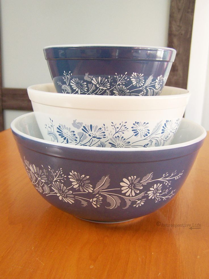 Vintage Pyrex Mixing Bowls - Set of 3 Nesting Bowls - Colonial Mist Daisy Pattern - Blue & White Flowered Pyrex Bowls by RetrospectiveLife on Etsy