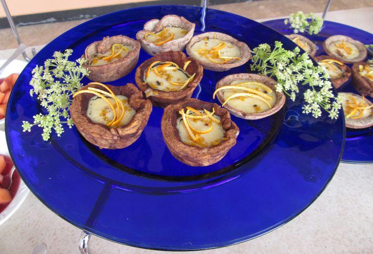 barchette di sfoglia, cioccolato, crema pasticcera e arance candite
