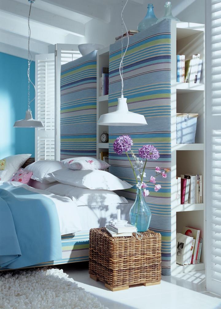 Başucu kitaplığı  Yatak başınıza yaptıracağınız bol raflı bir gizli kitaplık, ön paneline kaplayacağınız duvar kağıdı ya da kumaşla renklenerek görsel olarak çok etkili bir dekorasyon elemanına dönüşebilir.