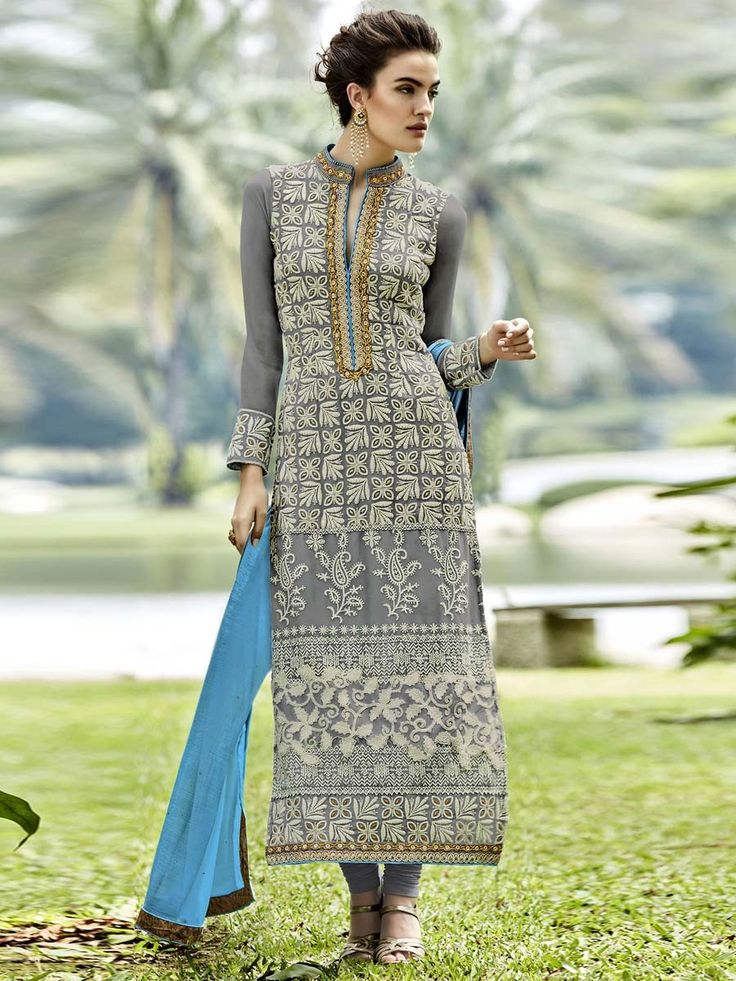 Extraordinary beauty is ready to light up the universe with your elegance.   Item Code: SLHPA2125 http://www.bharatplaza.com/new-arrivals/salwar-kameez.html