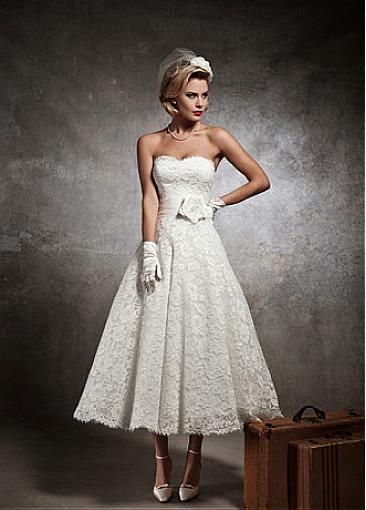 Elegant Lace & Satin & Taffeta Sweetheart Neckline A-line Wedding Dress With Handwork Flower