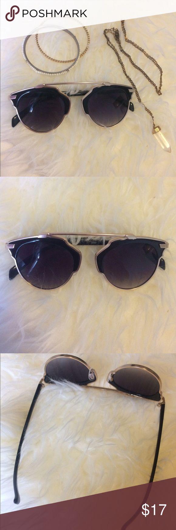 Rimless frame black and gold sunglasses Rimless frame black and gold sunglasses Accessories Glasses