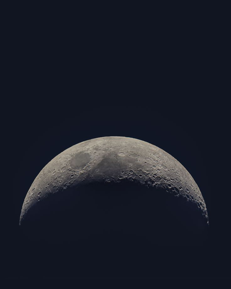 A beautiful crescent Moon  #moon #solarsystem