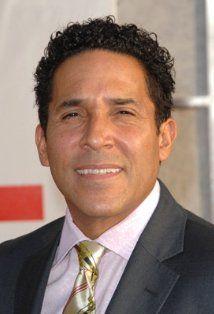 Oscar Nuñez (Oscar Martinez)