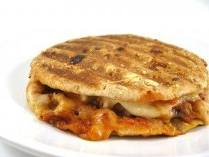 Skinny Breakfast Pizza Melt- 215 calories, 6 grams of fat, 5 grams of fiber, and 6 Weight Watchers POINTS PLUS