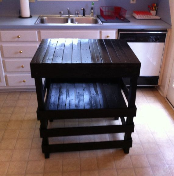 He encontrado este interesante anuncio de Etsy en https://www.etsy.com/es/listing/181313576/rustic-espresso-stained-pallet-kitchen