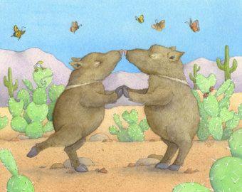 Javelinas (uitgesproken als hav-a-leena) eruit harige varkens, maar ze zijn niet! Ze zijn Collared Peccaries en ze leven in de zuidwestelijke Verenigde Staten en Zuid-Amerika. Ze zijn berucht voor het uitroeien van tuinen en deze zoet droomt van de heerlijke tulpen die hij net gegeten.  Deze print gematteerd en back-ups is professioneel gereproduceerd op archivering mat papier van een originele aquarel en inkt illustratie. Het wordt geleverd in twee maten: 8 x 10 (ca. Afbeeldingsgrootte 5 x…