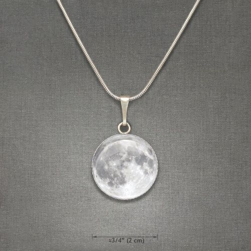 gorgeous clear white round necklace