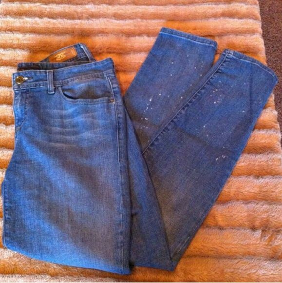 Denim sale! Cute light blue jeans 30 waist by 29 length Super cute, light blue color with a slight paint splattwr design  Bough in Mexico No trades  Most offers will be considered  Happy poshing! Jeans