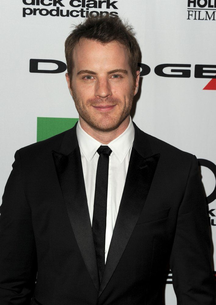 Robert Kazinsky, Actor: EastEnders. Robert Kazinsky was born Robert John Appleby in Haywards Heath, Sussex, England, to Phyllis and Paul Appleby, and grew up in the seaside town of Brighton, on England's southern coast. Both of his parents are from Polish Jewish/Russian Jewish families. Kazinsky studied theatre at the Guildford School of Acting from 2002-2005 graduating with full honors, shortly thereafter he was cast as the ...