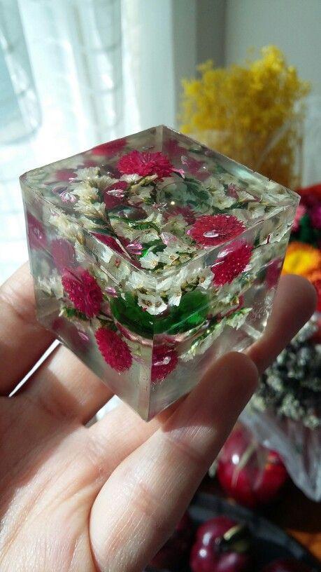 Cubo de resina cristal con naturaleza muerta arte dise o - Pintura de resina ...