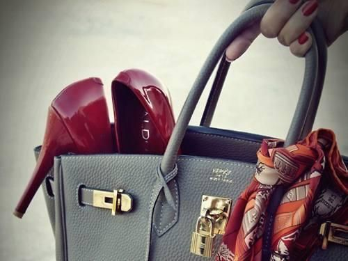 the shoes, the bag, the nails <3
