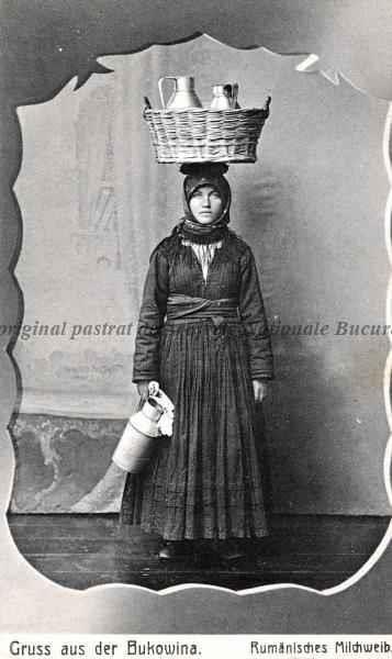 BU-F-01073-5-00582 Lăptăreasă româncă din Bucovina, 1918 (niv.Document)