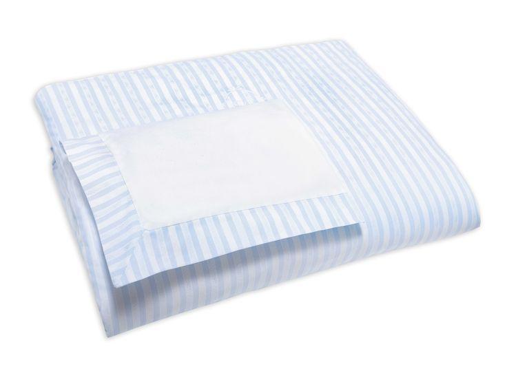 Quilt cover and its matching pillowcase in Garda.  #Tartineetchocolat #garda #kids #quiltcover #blue #pillowcase #babies