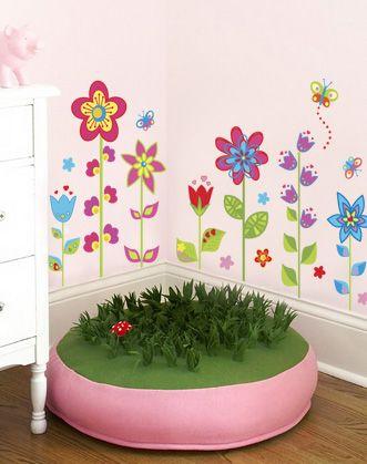 """Интерьерная наклейка """"Клумба"""" для маленьких принцесс! Каждый цветочек наклеивается отдельно, благодаря чему вы вместе с ребенком самостоятельно сможете сформировать композицию."""