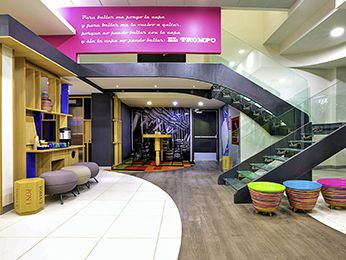 The ibis Styles Mexico Zona Rosa is located in the vibrant Zona Rosa, just 25 minutes from Mexico City International Airport and Insurgentes subway station, 2 blocks from Paseo de la Reforma and the Angel of Independence monument. Surrounded by museums, shopping centers, restaurants, bars and businesses, it features 79 modern, soundproofed rooms equipped with air conditioning. Restaurant, bar with 24/7 snack service and access for guests with reduced mobility. Continental breakfast and I...
