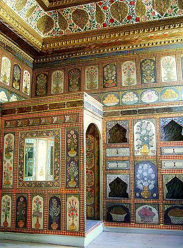 Topkapi palace -- is a large palace that was the primary residence of Otttoman Sultans for about 400 years.