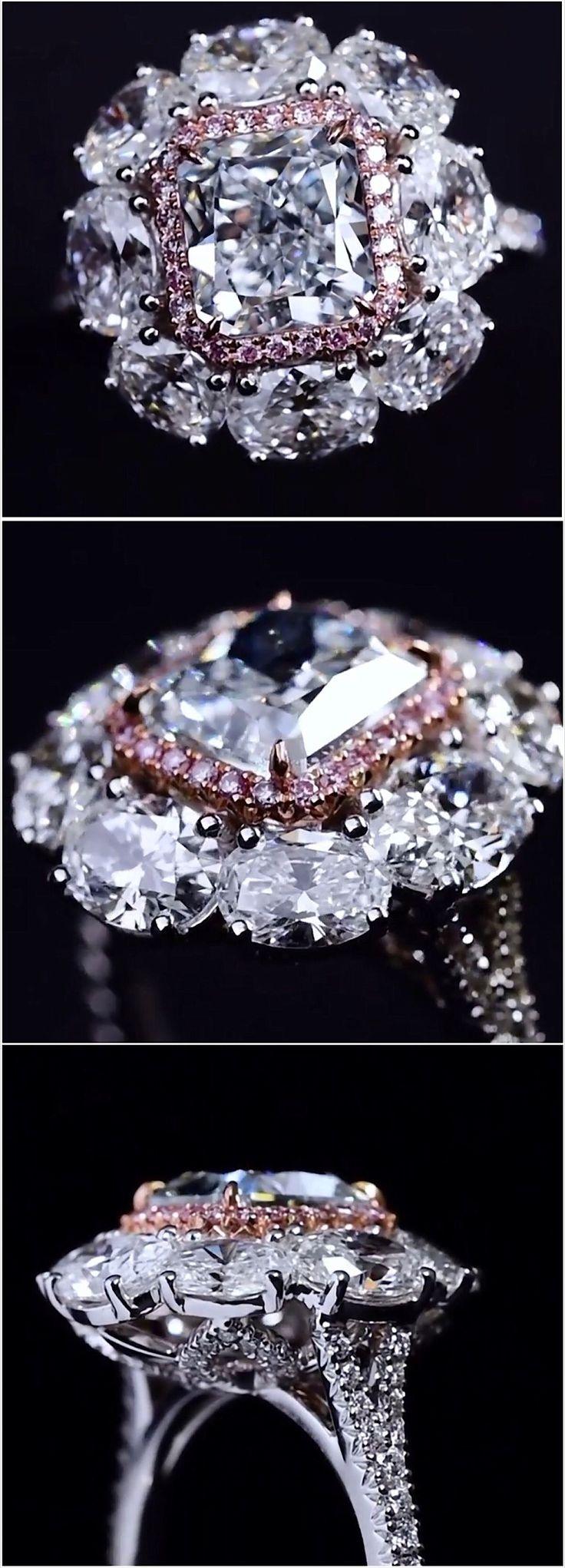 #BlueDiamond, one of the rarest color of natural color #diamond. Here is the stunning 2ct Fancy Light Greenish Blue VVS2 ring by Edelman Diamond https://www.instagram.com/edelman_diamond/