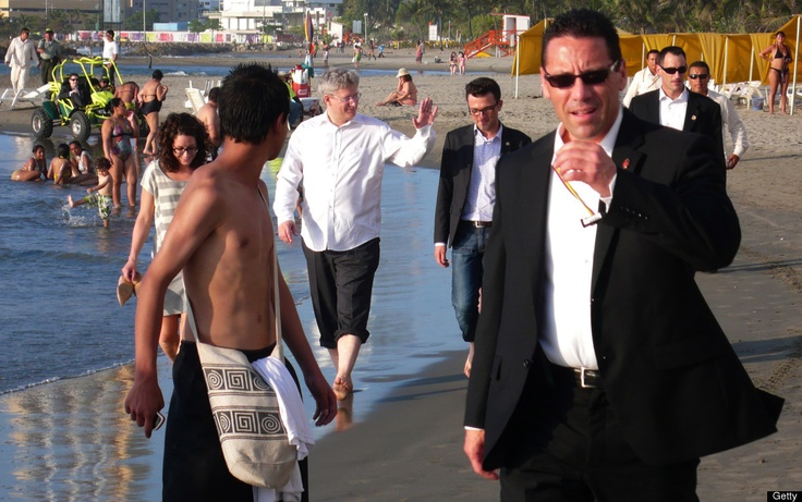 Harper took an awkward walk along the beach in Colombia on a recent trip.