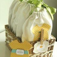 Basket of Baby To-Go Pouches {Tutorial}: Shower Ideas, Pouch Tutorial, Homemade Baby, Gifts Ideas, Gift Ideas, Baby Gifts, Diy Baby, Baby Shower Gifts, Baby Shower