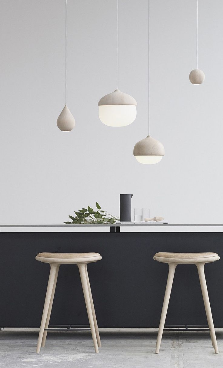 The Mater Terho Lamp is designed by the Finnish designer Maija Puoskari. Inspired by nature, Terho means 'acorns' in Finnish and simply refers to the organic and appealing shape of acorns found in nature.