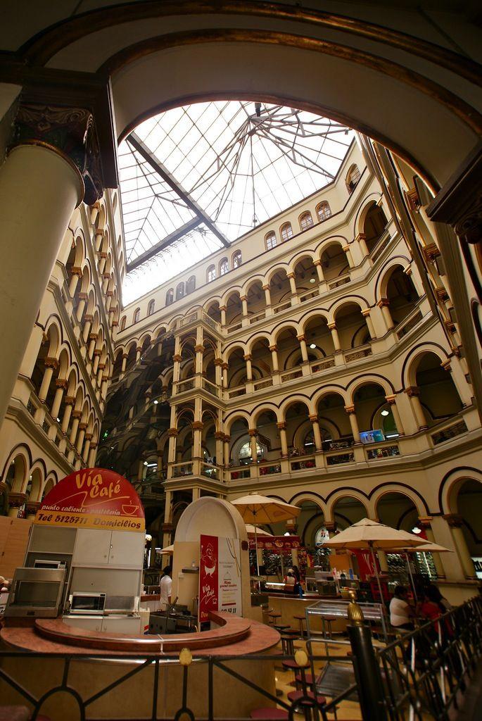 Colombia - Medellin, Centro Comercial.