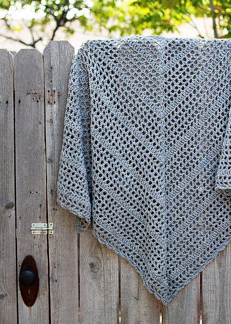 Triangular Prayer Shawl Knit Pattern : Best 25+ Crochet shawl free ideas on Pinterest