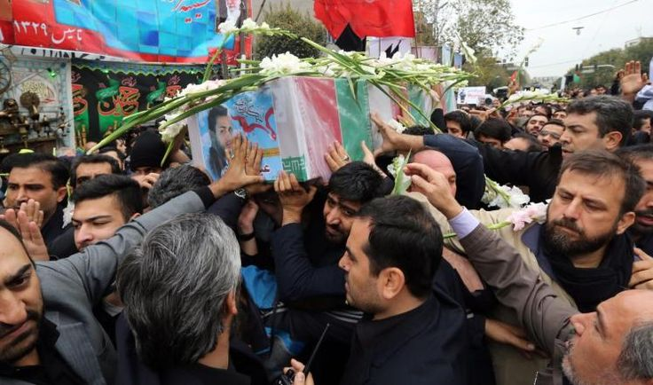 """KIBLAT.NET, Teheran – Sejumlah media Iran kembali melaporkan tiga anggota Garda Revolusi Iran tewas dalam pertempuran di Suriah. Seperti biasa, tidak dijelaskan informasi rinci terkait berita tersebut. Sebagaimana dilansir Al-Jazeera, Rabu (16/03), media-media Iran tersebut menyebutkan mereka tewas dalam pertempuran melawan """"takfiri"""" di Suriah. Iran menyebut warga Suriah yang melawan rezim sebagai takfiri untuk memompa …"""