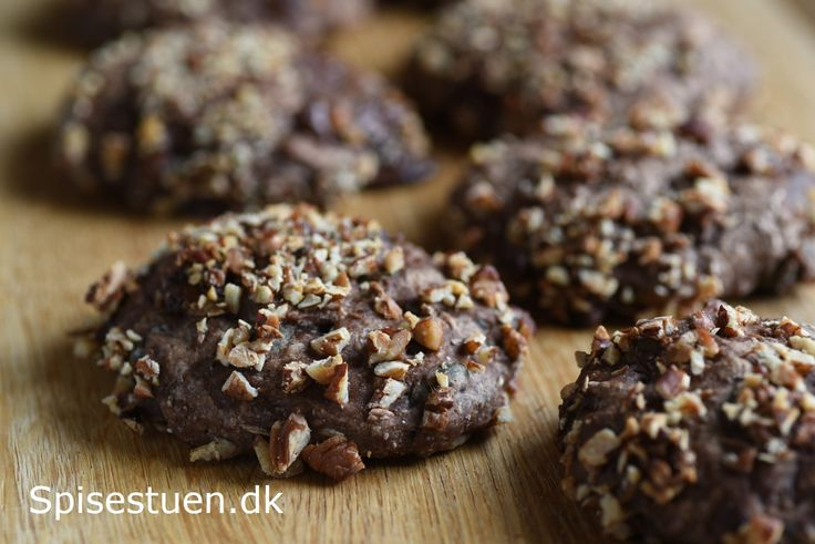Små rugboller med chokolade og nødder